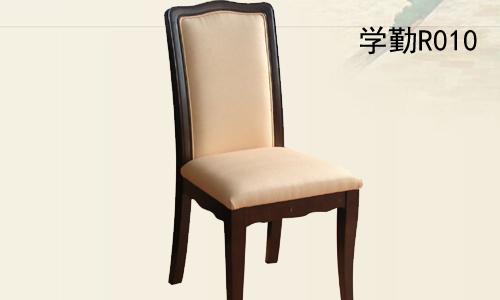 软包椅子介绍: 框架:选用实木木方